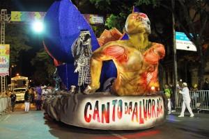 Desfile-Das-Escolas-De-Samba-foto-Robson-Vasconcelos-258-300x200